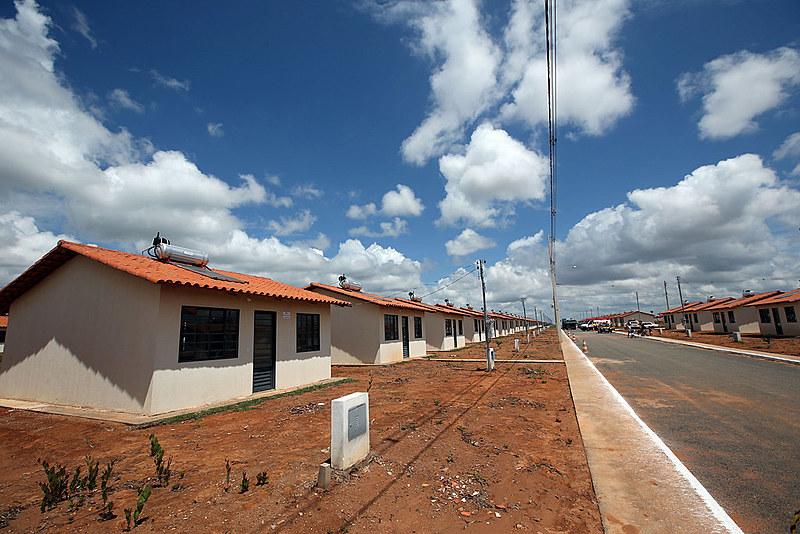 De 2009, ano de criação do MCMV, até o fim de 2018, o investimento anual do programa era de R$ 11,3 bilhões, em média; em 2020, foi de R$ 2,54 bilhões