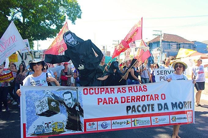 Manifestações demarcaram 16º dia da greve do funcionalismo estadual