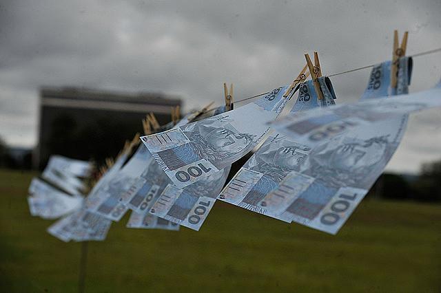 Protesta contra la corrupción y el lavado de dinero en Brasilia