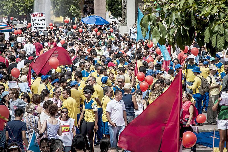 Funcionários dos Correios ajudaram a construir a ideia de que mais e mais trabalhadores começam a ir às ruas