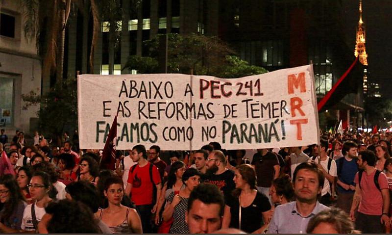 Protesto na Avenida Paulista, em São Paulo, contra medidas do governo Temer