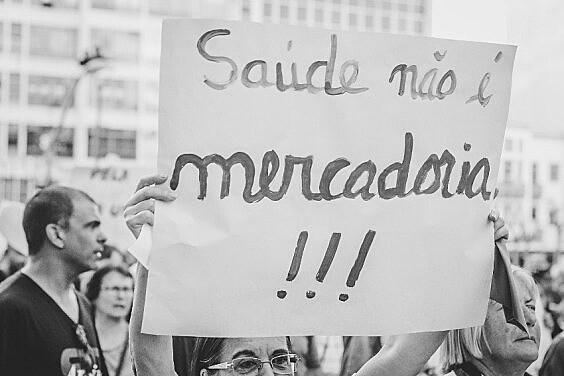 O SUS, atacado pelo presidente desde a campanha, é referência internacional em sistemas de saúde pública