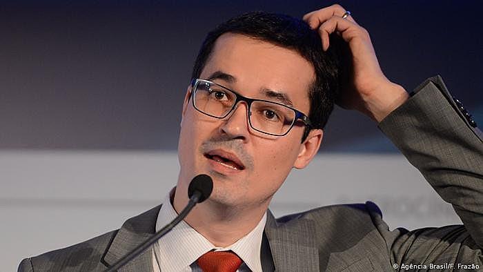 Reportagem da Folha de SP e Intercept Brasil publicada no domingo mostrou que Dallagnol quebrou sigilo fiscal sem autorização da justiça