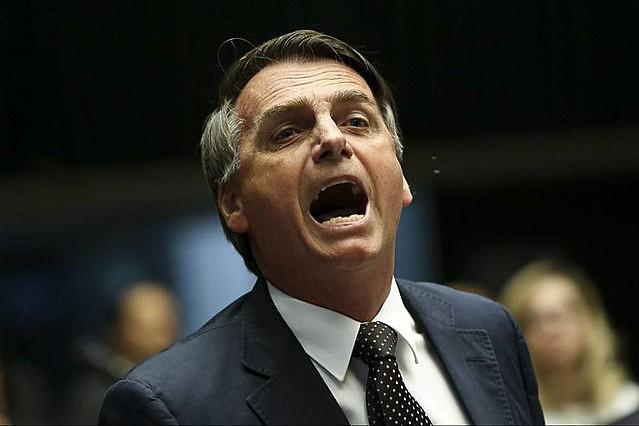 Bolsonaro había decidido participar de los actos pero dio marcha atrás en su decisión