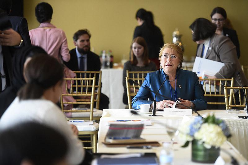 Bachelet afirmou que também sofreu sexismo durante campanha à Presidência do Chile
