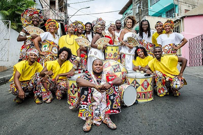 Bloco afro só admite a participação de negros e reafricaniza carnaval baiano