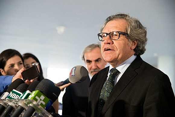 Uruguaio Luis Almagro dirige a Organização dos Estados Americanos (OEA)