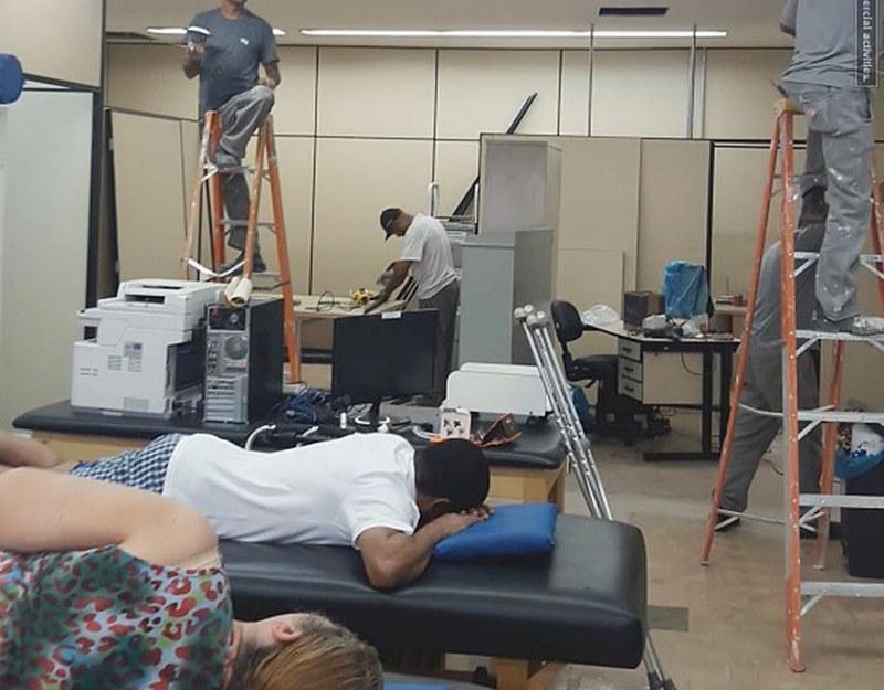 Reforma do setor acontecia enquanto atendimentos aos pacientes da ala de fisioterapia eram realizados