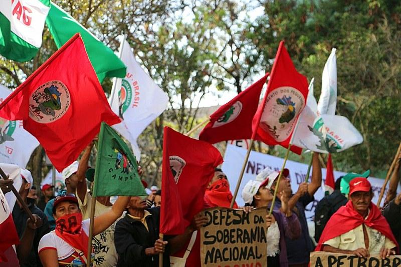 Movimentos da causa agrária em protesto na Esplanada dos Ministérios