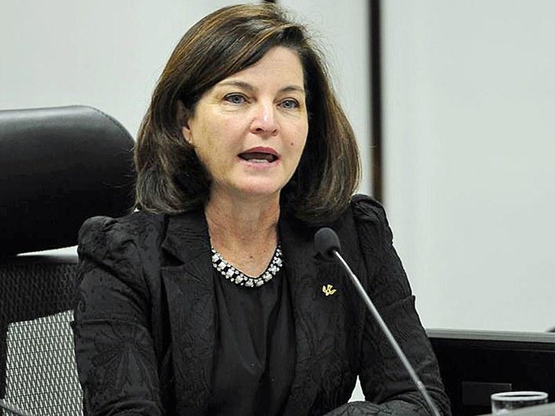 Subprocuradora da República Raquel Dodge, durante debate com candidatos à PGR