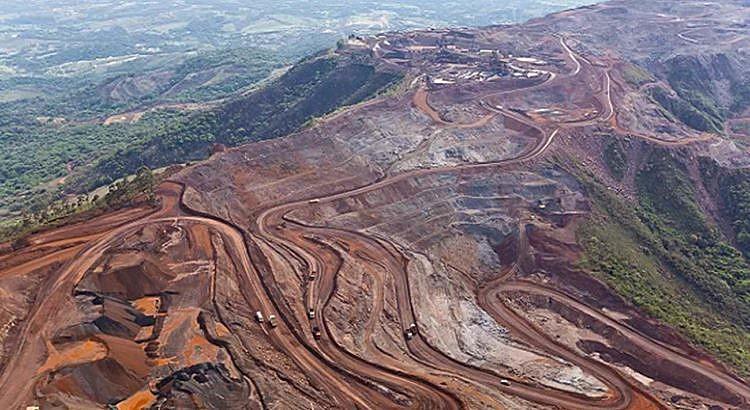 Os atingidos por barragem denunciam que o decreto permite a abertura de áreas de monopólio.