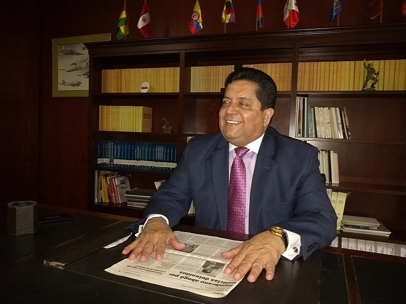 Vice-presidente da Assembleia Nacional em desacato, Edgar Zambrano diz ser a favor de diálogo com o governo