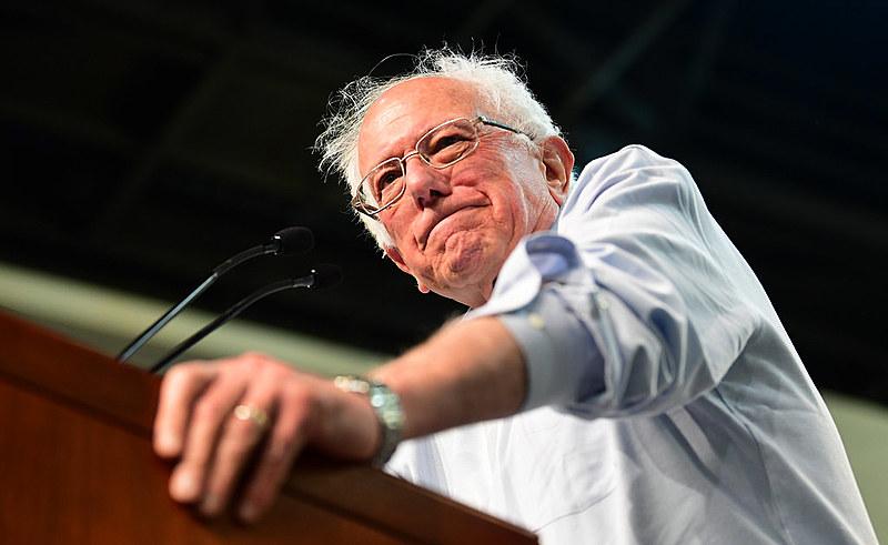 Bernie Sanders apresentou uma proposta de aumento de salários e de inclusão dos trabalhadores na junta diretiva do Walmart