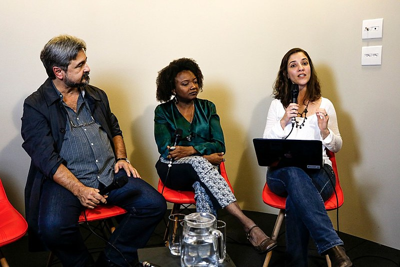 O advogado e membro da Consulta Popular, Ricardo Gebrim, e Rosane Borges, ativista do movimento negro.