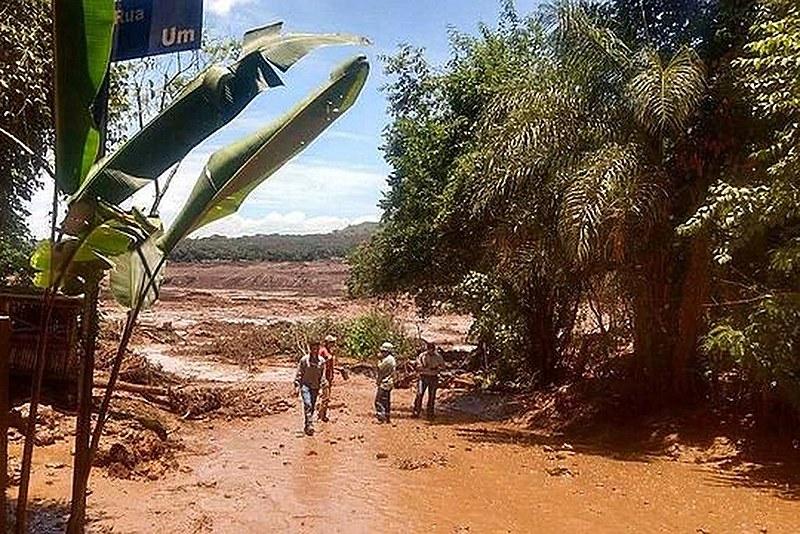 Rompimento da barragem da Vale em Brumadinho (MG) devastou milhares de famílias