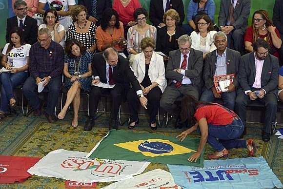 """La presidenta ante una audiencia conformada por docentes y estudiantes en el acto denominado """"Encuentro de la Educación por la Democracia"""""""