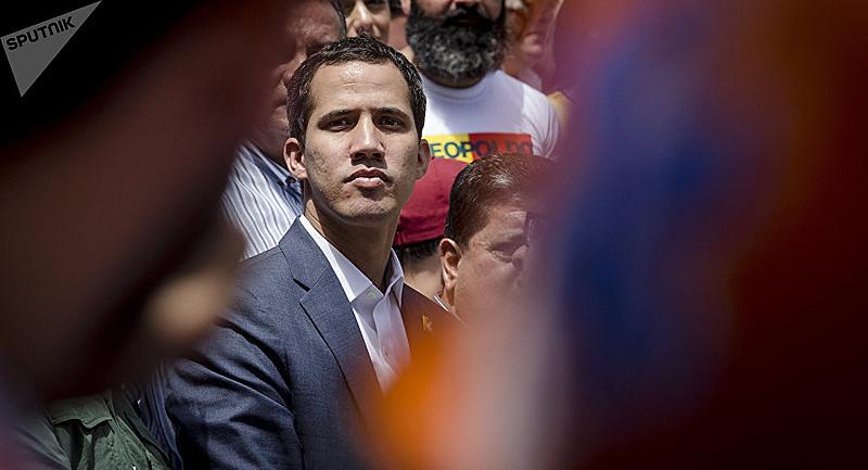 Deputado Juan Guaidó, presidente da Assembleia Nacional, perde força política na liderança da oposição