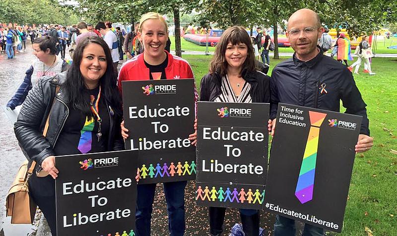 De acordo com o TIE, nove em cada dez LGBT escoceses afirmam ter sofrido algum tipo de discriminação na escola
