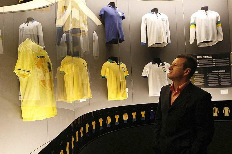 O time de Dunga é um desrespeito à história da seleção brasileira
