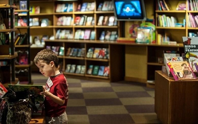 """Livrarias precisam """"voltar às raízes"""" e estar atentas para a sua função sócio-cultural"""