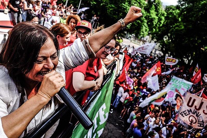 """Deputada Federal Alice Portugal (PCdoB): """"Sem um crime, cassaram a primeira mulher que vestiu a faixa presidencial na história"""""""