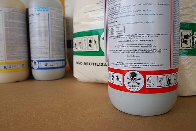 Sob Bolsonaro, o país tem liberado agrotóxicos em um ritmo sem precedentes: desde o início do ano, 290 substâncias foram autorizadas