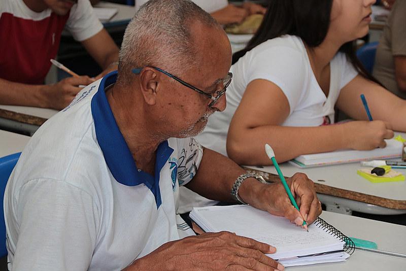 Na avaliação de educadora, alunos da Educação de Jovens e Adultos (EJA) serão afetados negativamente