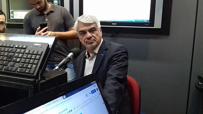 Além da atuação na política, o senador Humberto Costa é médico psiquiatra e jornalista de formação