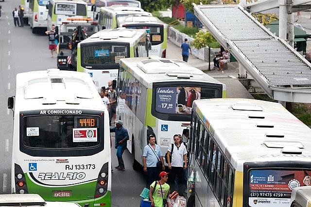 Em meio a insatisfação dos usuários com serviço de transporte no Rio, preço dos ônibus, trens e barcas sofrem aumento em fevereiro
