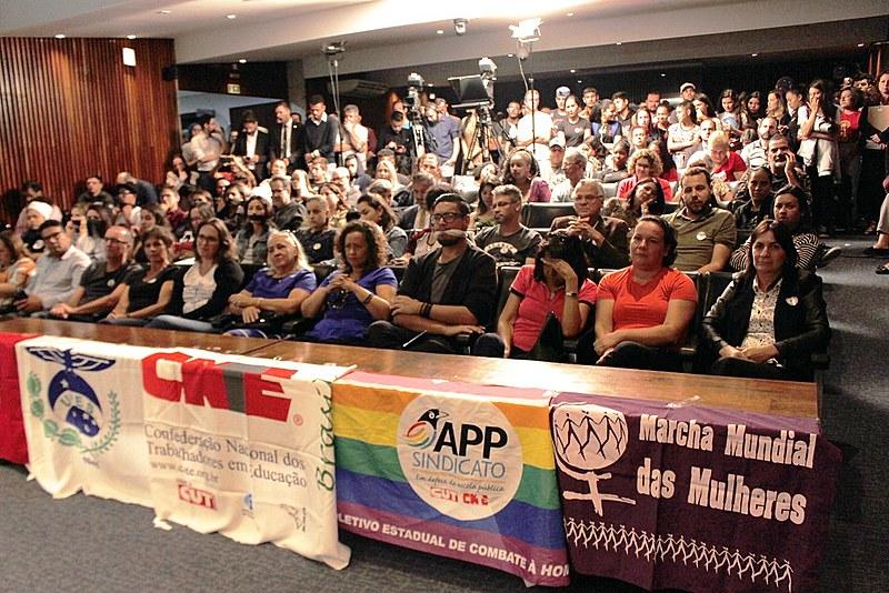 """Professores e estudantes são contrários a proposta de """"lei da mordaça"""" em audiência na Alep"""