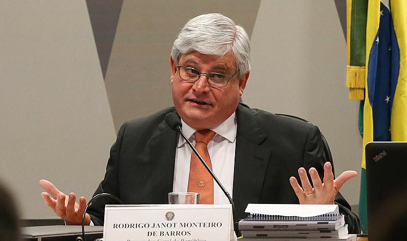 """Para advogado, legado de Janot (acima) é a """"politização do Ministério Público"""""""