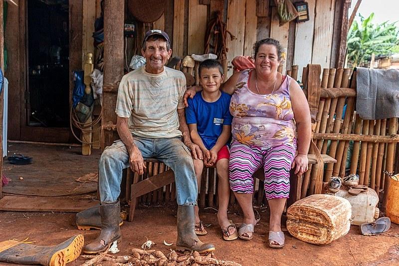 Após cerca de 20 anos de trabalho e desenvolvimento, as 212 famílias que vivem nas comunidades estão sob risco iminente de despejo