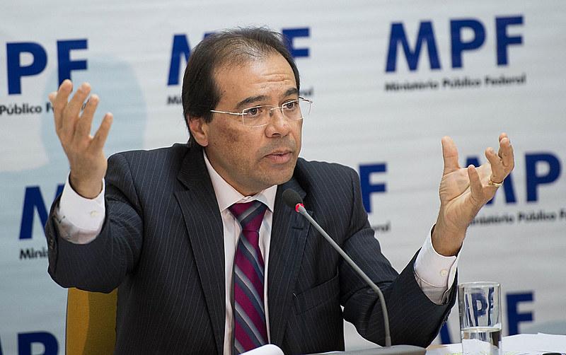 Nicolao Dino foi o mais votado entre os colegas do Ministério Público, mas pode não ser nomeado para a PGR