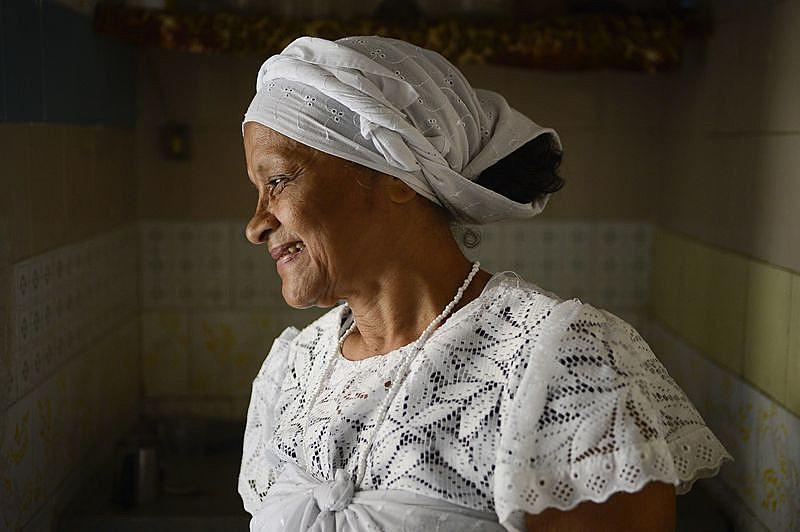 Maria da Guia, médium do terreiro Tenda Espírita Vovó Maria Conga de Aruanda, a primeira instituição cadastrada no mapa de terreiros de umbanda da cidade do Rio de Janeiro