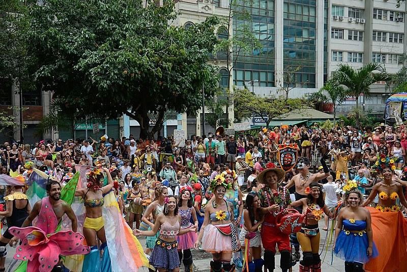Blocos que fazem o carnaval de rua do Rio reclamam de burocracia e cobram políticas públicas eficientes da prefeitura