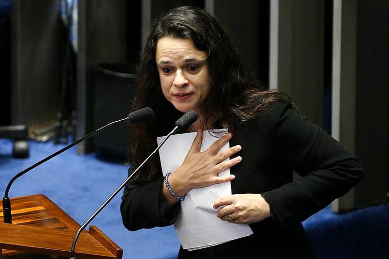 A deputada estadual Janaína Paschoal é a autora do projeto que deu origem à lei