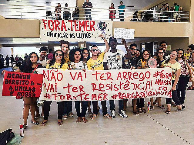 Estudiantes de la Unilab hacen protesta contra recortes de asistencia económica para estudiantes extranjeros