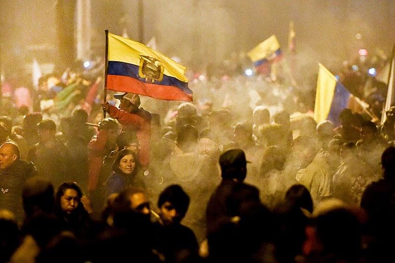Equatorianos celebram nas ruas vitória contra o decreto imposto pelo FMI