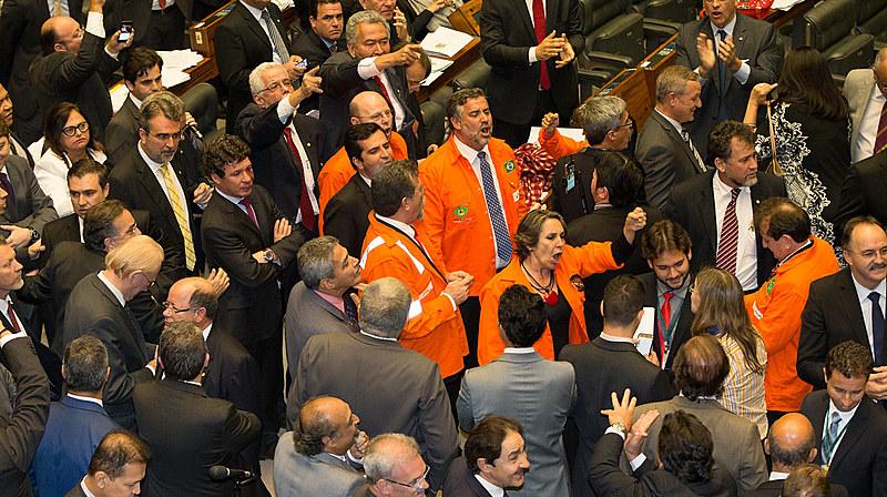 Votação do requerimento que desobrigou a Petrobrás a participar de todos os consórcios de exploração dos campos do pré-sal