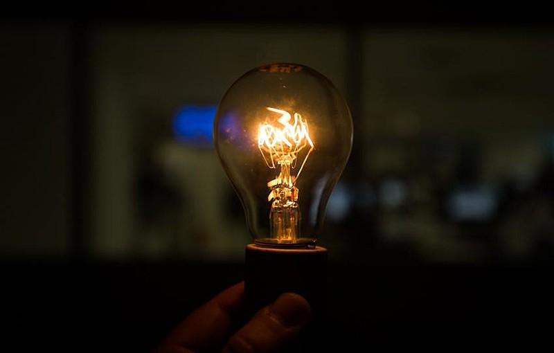 Movimentos temem aumento das tarifas e queda na qualidade do serviço de fornecimento de energia