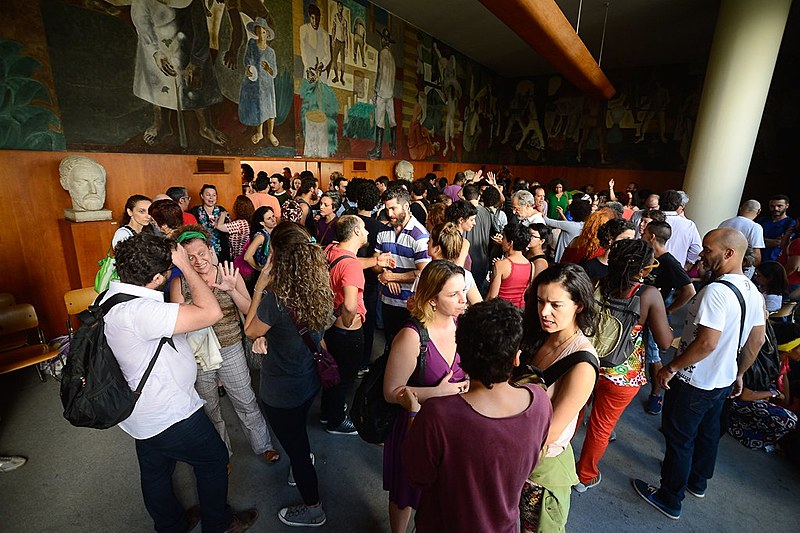 Artistas ocupam Palácio Capanema por Ministério da Cultura