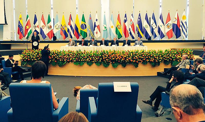 O encontro entre europeus e latino-americanos ocorreu nessa quarta-feira (19)