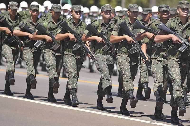 A reforma visa aumento salarial das Forças Armadas e tem impacto fiscal de 86 bilhões de reais ao Governo Federal