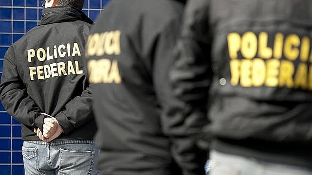 Segundo a PF, cerca de 270 policiais federais e 21 auditores fiscais federais agropecuários participam dos trabalhos
