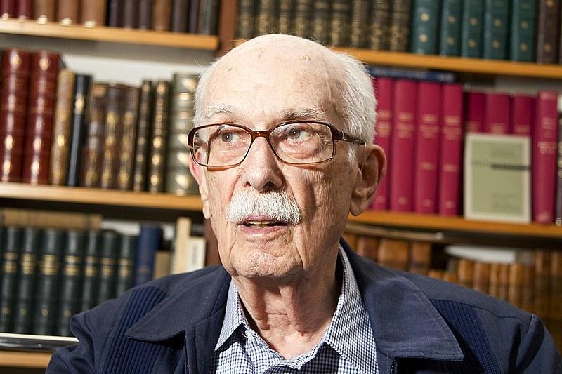 Antonio Candido, sociólogo, crítico literário e ensaísta morreu nesta sexta-feira (12), aos 98 anos