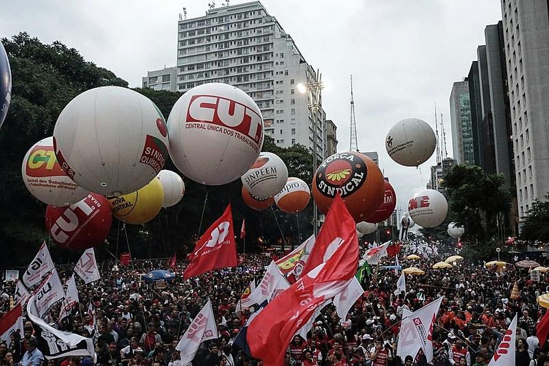 Trabalhadores se manifestam contra a reforma da previdência no último dia 22 e ocupa a Avenida Paulista em São Paulo