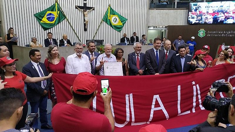 Entrega do título de cidadão cearense ao economista e um dos principais dirigentes do MST, João Pedro Stédile