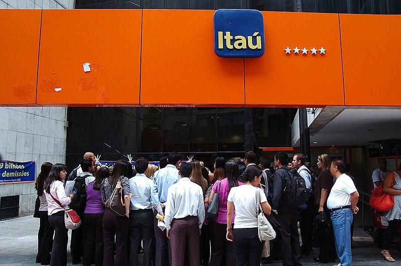 Itaú é um dos cinco maiores bancos do país. País tem grande concentração no setor bancário