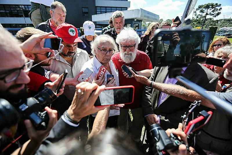 Lula está na sede da PF desde o dia 7 de abril na condição de preso político
