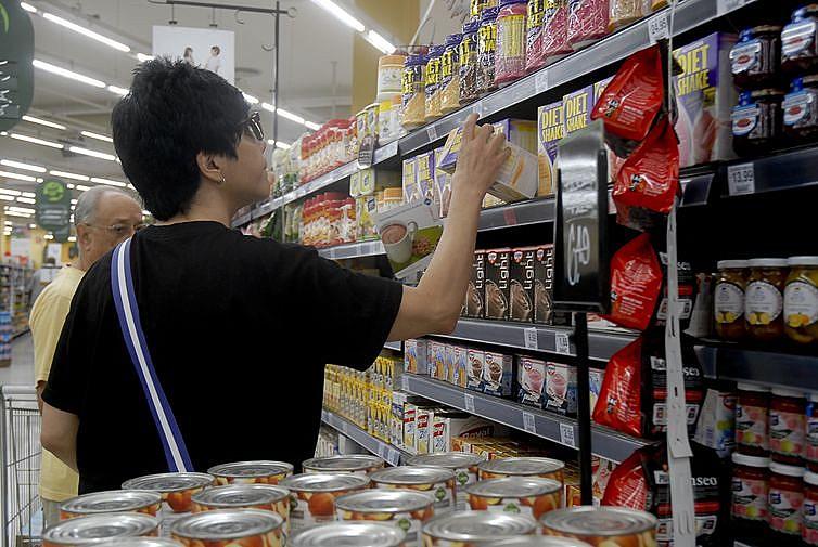 Os pesquisadores associam o aumento do sobrepeso na população ao consumo crescente de alimentos ultraprocessados